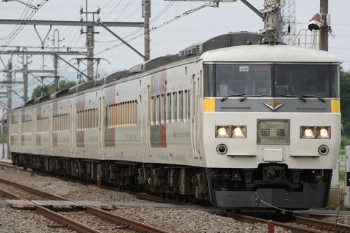 351F1995.JPG